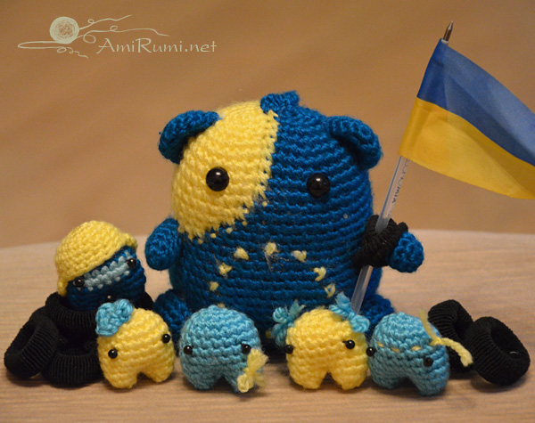 Crocheted amigurumi toys Hamster and Maidan activists!