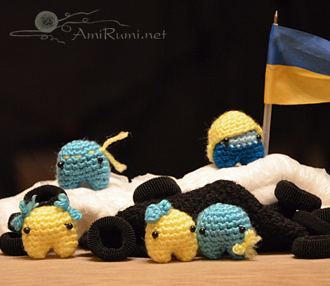 Crocheted amigurumi toys Maidan activists on barricades