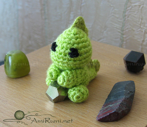 amigurumi toy green dragon guards gems