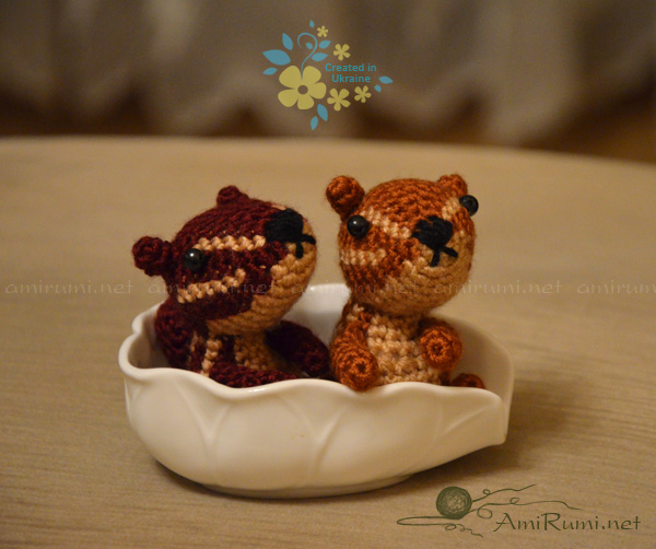 Crocheted amigurumi toys Chipmunks on a long jorney