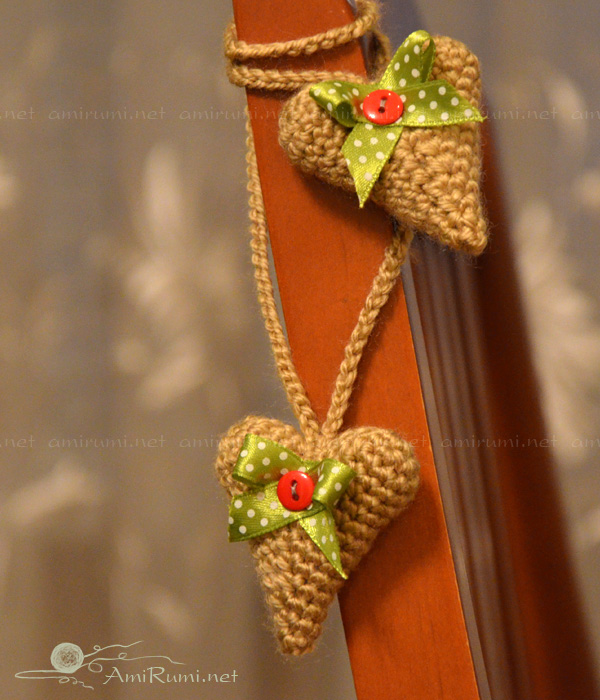 Decorated crocheted hearts